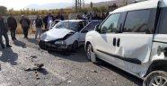 Akçadağ'da kaza: 4'ü ağır 11 yaralı