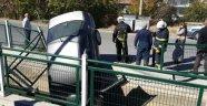 Otomobil Derme Kanalına Düştü