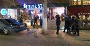 Kafede silahlı çatışma: Ölü ve yaralılar var