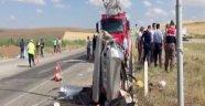 Yolcu otobüsü ile otomobil çarpıştı: 3 ölü, çok sayıda yaralı