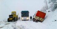Kar nedeniyle 300 mahalle yolu kapandı