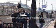 AK Parti Malatya il binasına saldırı