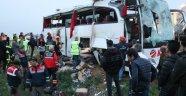 Yolcu otobüsü devrildi: 4 ölü, 34 yaralı