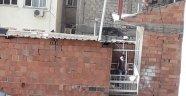 Pansiyonun balkonunda ölü olarak bulundu