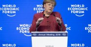 Merkel'den öz eleştiri: