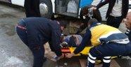 Otobüsün altında can pazarı: 3 yaralı