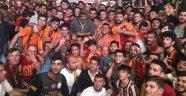 Galatasaray şampiyonluğu kutlanıyor