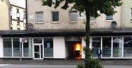 Almanya'da güpe gündüz camiye molotof attılar
