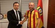 Malatyaspor'da Töre imzayı attı