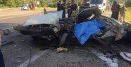 Yolcu otobüsü ile otomobil kafa kafaya çarpıştı: 2 ölü 3 yaralı
