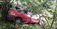 Giresun'da otomobil dereye uçtu: 1 ölü 1 yaralı