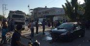Otomobile çarpan motosiklet sürücüsü öldü