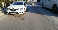 Otomobilin çarptığı elektrikli bisiklet sürücüsü hayatını kaybetti