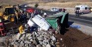 Arguvan'da kamyon devrildi: 1 ölü