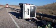 Hafif ticari araç  devrildi: 1 ölü 6 yaralı