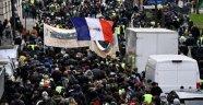 Fransa'da genel grev kamu çalışanlarını yine sokağa döktü