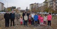 Çocuklar mahallelerine park istiyor