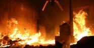 Esad rejimi ve Rus savaş uçakları İdlib'i vurdu: 3 ölü 9 yaralı