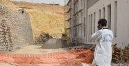 İstinat duvarı çöktü: 1 ölü 1 yaralı
