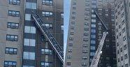 ABD'de 2 cam temizleyici 13 katlı binada asılı kaldı