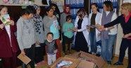 Darende'de öğrencilere kırtasiye yardımı