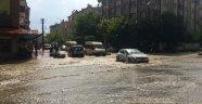 Elazığ'da şiddetli yağış sele neden oldu
