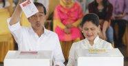 Endonezya'da Widoo yeniden Devlet Başkanı seçildi