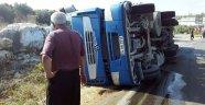 Erdemli'de aynı virajda 2 tır kazası: 1 yaralı