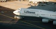 Frankfurt'ta 68 uçuş ertelendi