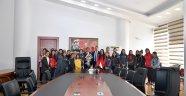 Gürkan'dan bayan futbol takımına destek