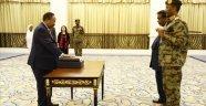 Hamadok geçiş dönemi başbakanı olarak yemin etti