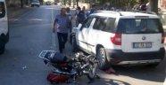 Isparta'da otomobil tescilsiz motosikletle çarpıştı : 2 yaralı