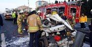 Kamyonet otomobille çarptı:  1 kişi hayatını kaybetti