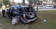 Kavşakta tır ile otomobil çarpıştı: 2 yaralı