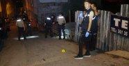 Kendisine uyuşturucu sattırmayan mahalleliyi vurdu