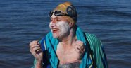 Manş Denizi'ni 4 kez durmaksızın geçen ilk kadın