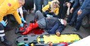 Motosiklet sürücüsü kanlar içerisinde yardım bekledi