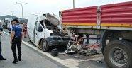 Otobanda 4 araç birbirine girdi: 1 ölü