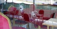 Oyun salonuna kurşun yağdırdılar