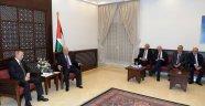 Putin Filistin Başbakanı Mahmud Abbas ile görüştü