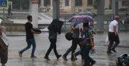 Sağanak yağış etkili oluyor