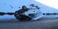 Sivas'ta minibüs devrildi: 16 yaralı!
