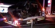 Tır ile minibüs çarpıştı: 1 ölü