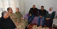 """""""Yaralanan asker ve Şehit ailelerine ziyaret"""""""