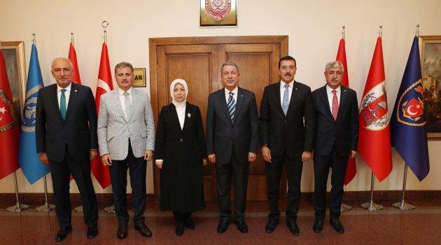 AK Parti heyetinden Akar'a ziyaret