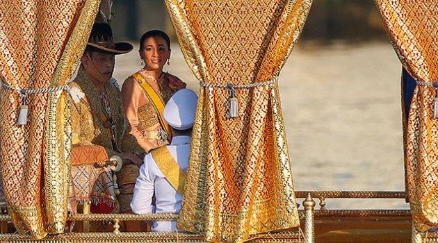 Tayland kralı haremi ile lüks otelde karantinada