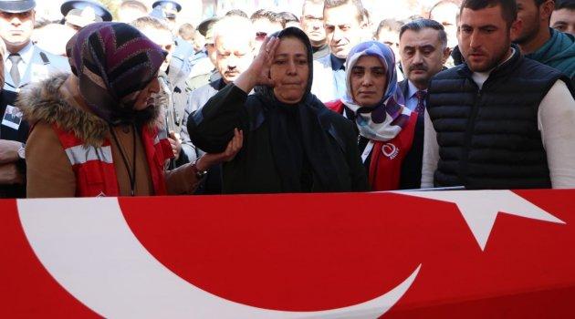 İdlib şehitlerine son görev!