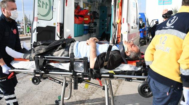 Yaralı alkollü sürücü oyun havasıyla hastaneye taşındı