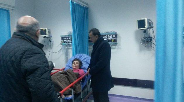 Yaralı kadını ziyaret etti