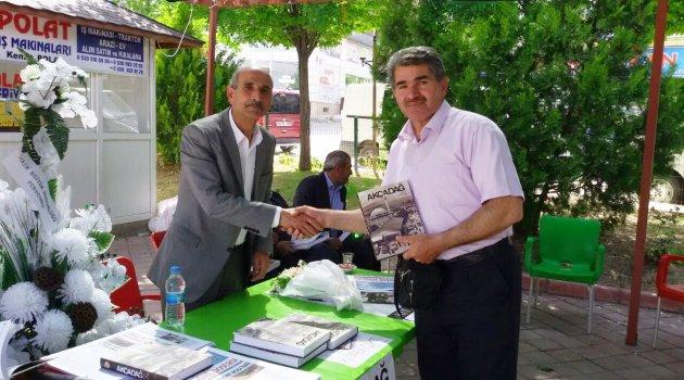 Yazar Demir,Okuyucuları ile Buluştu